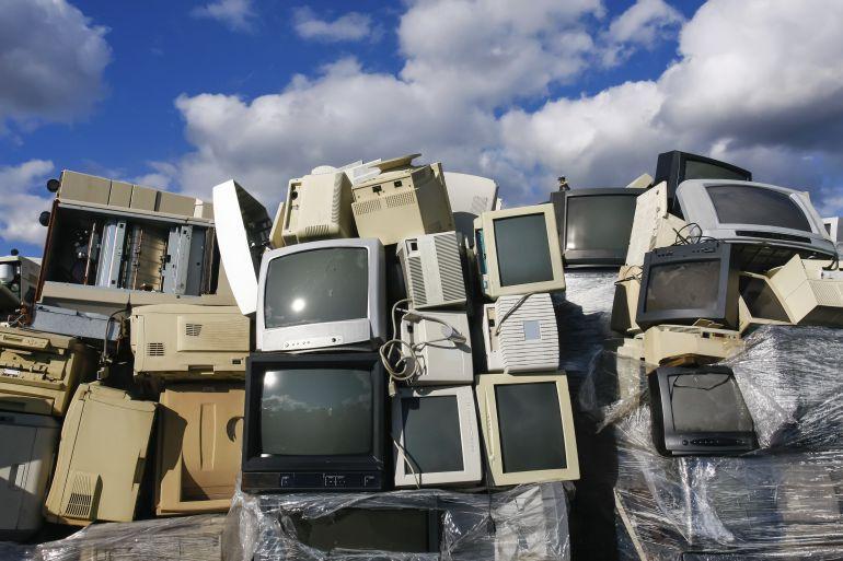 ¿Cómo está afectando la basura electrónica al cambio climático?